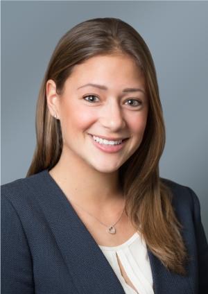 Costa Mesa eye doctor Danielle Goldberg